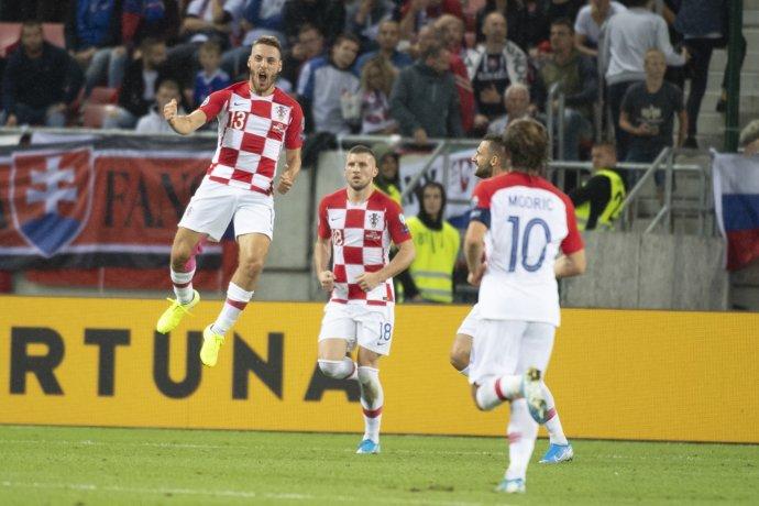 Radosť chorvátskych futbalistov po góle na 1:0. Foto – TASR/Pavel Neubauer