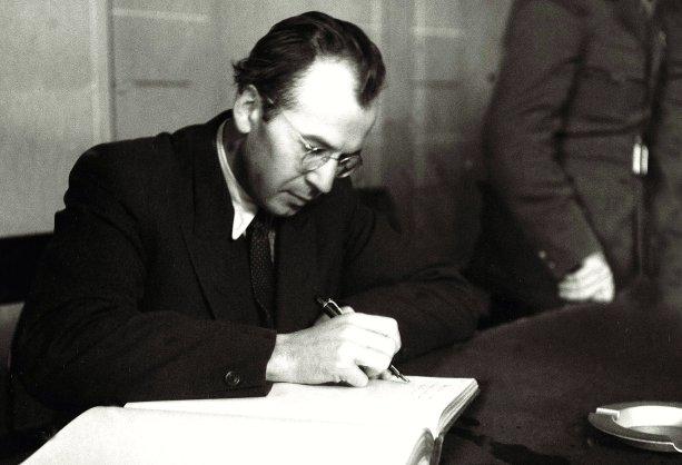 mladý Gustáv Husák