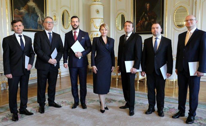 Prezidentka Čaputová s novými ústavnými sudcami. Foto – Prezidentský palác