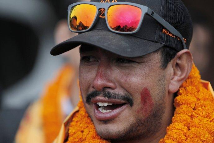 Horolezec Nirmal Purja. (AP Photo/Niranjan Shrestha)