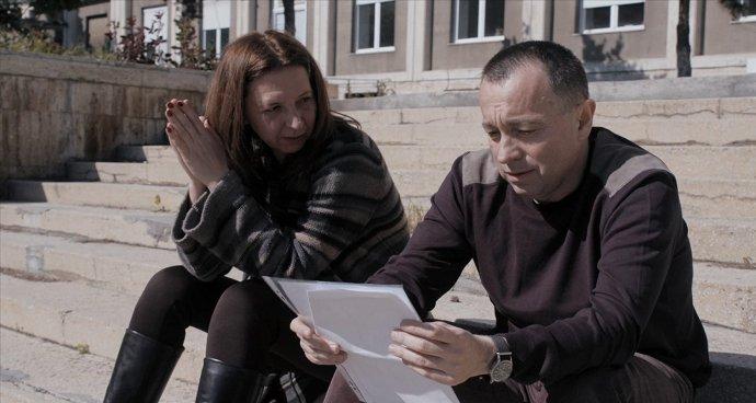 Novinári hrajú sami seba - Cătălin Tolontan a Mirela Neag. Foto - HBO