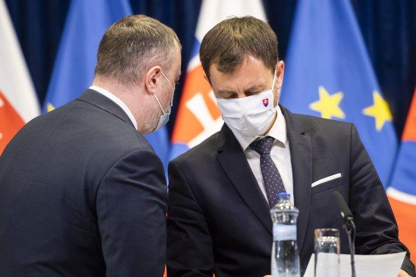Ministri Milan Krajniak a Eduard Heger. Foto - TASR