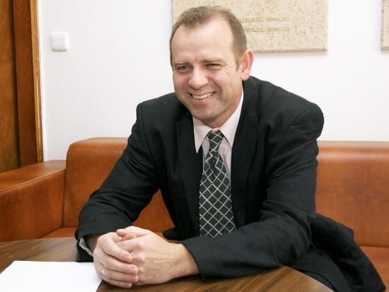 Juraj Kopáček je vedeckým riaditeľom Virologického ústavu Biomedicínskeho centra SAV. Zdroj – SAV
