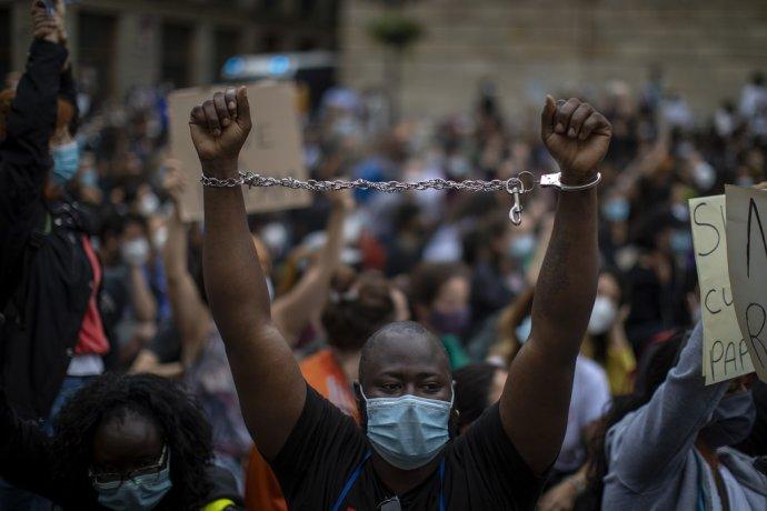 Protesty Black Lives Matter v Barcelone. Ilustračné foto - TASR/AP