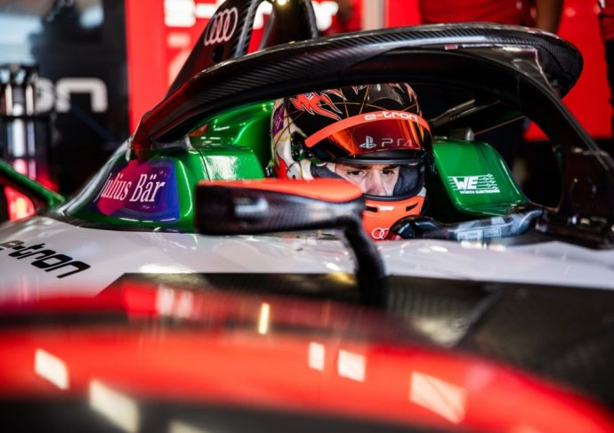 Foto - Audi Communications Motorsport/Michael Kunkel