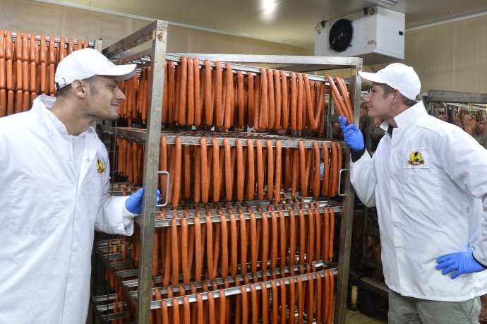 Púchovský mäsový priemysel. Archívne foto - TASR
