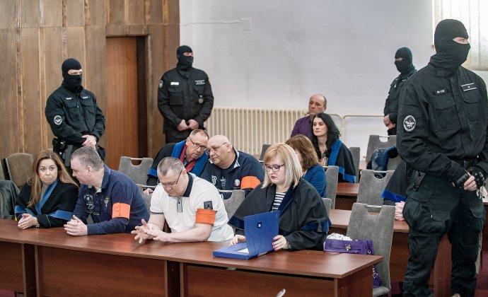 Šátorovci na súde v Banskej Bystrici minulý rok. Foto - TASR