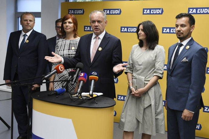 Andrej Kiska a ďalší lídri strany Za ľudí na zakladajúcom sneme. Foto - TASR
