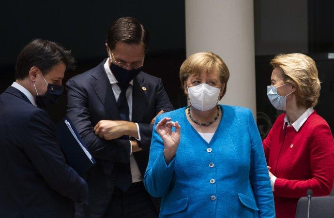 Angela Merkelová v debate s Giuseppem Contem, Markom Rutteom a Ursulou von der Leyenovou. Foto - TASR/AP