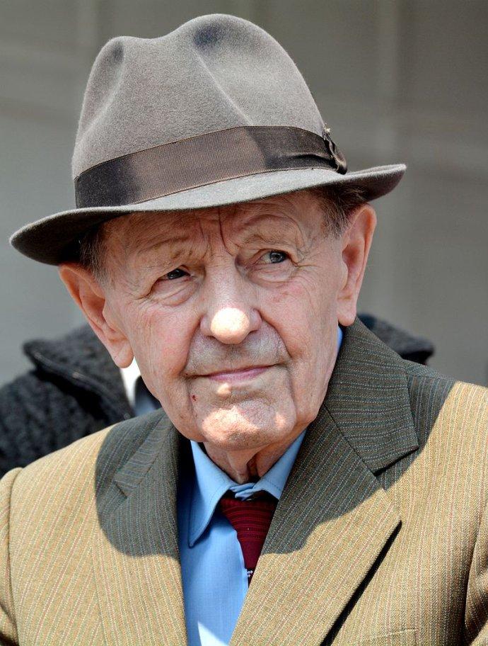 Miloš Jakeš v roku 2014. Foto – Wikimedia Commons/David Sedlecký