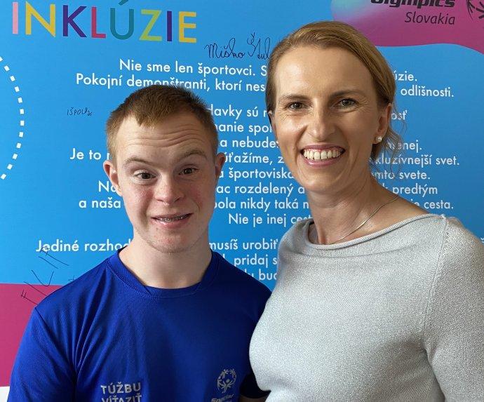 Marek Varga s mamou Emíliou. Foto - archív E. V.