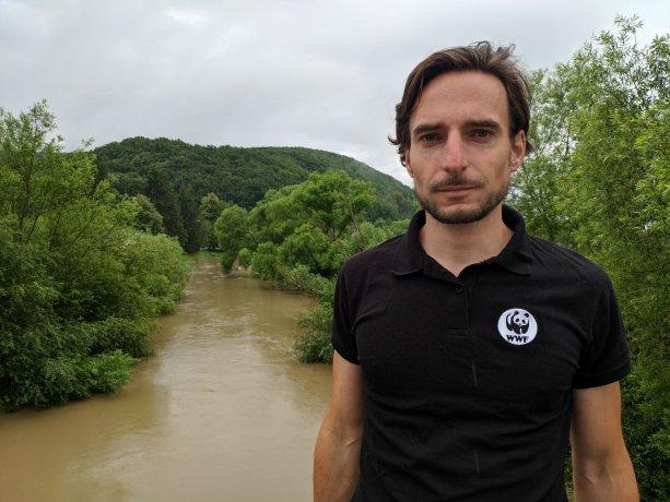 Miro Očadlík, WWF Slovensko. A rieka Slatina. Foto: Archív M.Očadlíka