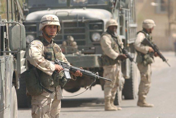 Americkí vojaci v Iraku v roku 2003. Foto - TASR/AP