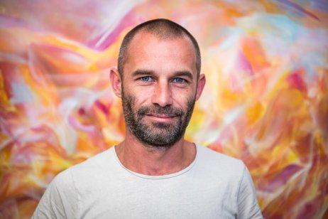 Dávid Baffi vo svojom ateliéri. Foto N – Tomáš Hrivňák