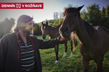 Karol Sládeček a jeho kone. Foto N – Monika Kompaníková