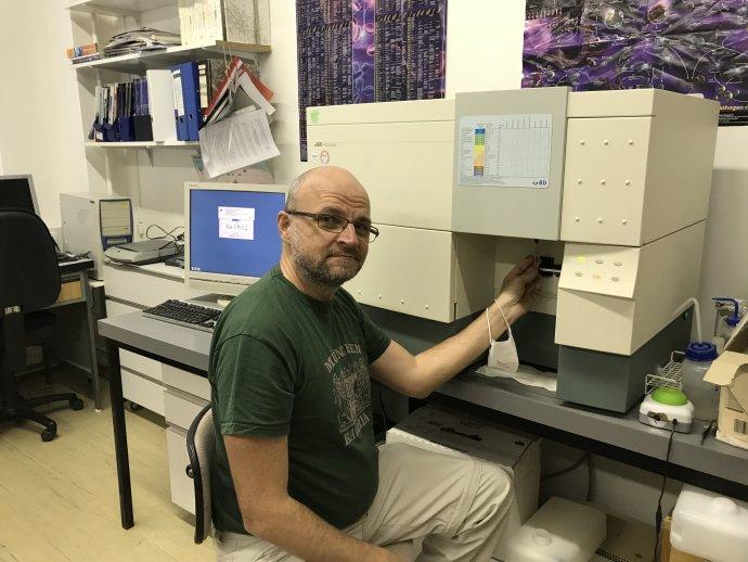 Molekulárny imunológ a biochemik Vladimír Leksa pôsobí na Medicínskej univerzite vo Viedni a je vedúcim laboratória Ústavu molekulárnej biológie SAV. Foto – archív V. L.