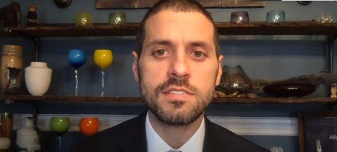 Epidemiológ Michael Mina pôsobí na Harvarde. Reprofoto – FMFI UK/YouTube