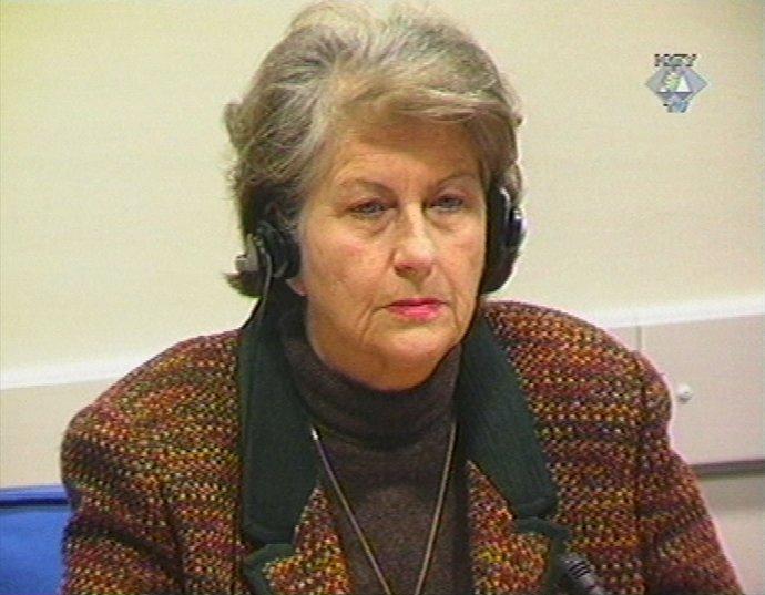 Biljana Plavšičová v roku 2002 počas súdneho procesu v Haagu. Foto - TASR/AP