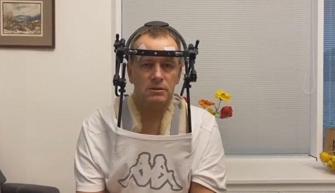 Boris Kollár sa ľuďom prihováral vo videách aj z nemocnice. Foto – Facebook Borisa Kollára