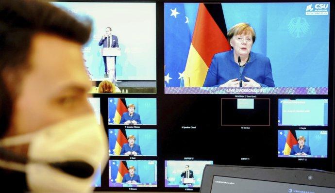 Nemecká kancelárka Angela Merkelová otvorene kritizovala Trumpa za situáciu v Spojených štátoch. Foto - TASR/AP