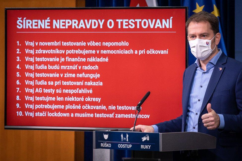 Premiér Igor Matovič (OĽaNO) na jar po nástupe do funkcie sa viac načúval radám vedcov. Po čase ich začal označovať za kuvikov, ak sa ozvali s kritikou. Foto N - Tomáš Benedikovič