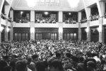 Aula Univerzity Komenského bola v novembri 1989 dejiskom študentského štrajku, dnes vstupujú univerzity do štrajkovej pohotovosti opätovne | Foto - Petra Bombíková-Maudgil via uniba.sk