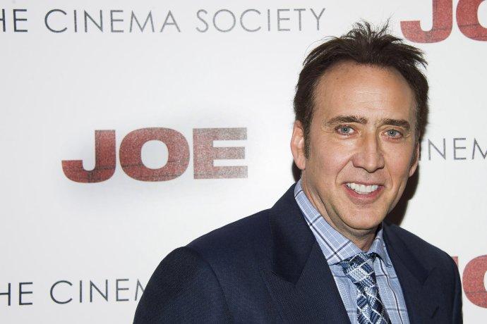 V rokoch, keď bol herec Nicolas Cage veľmi obsadzovaný, stúpol počet utopení v bazénoch. Keď mal herec slabšiu sezónu, utopení bolo menej. Súvisia oba javy? Foto – TASR/AP