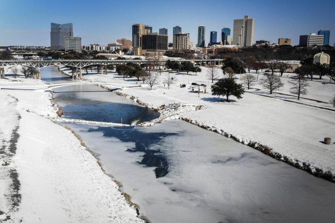 Texas po snehovej búrke v polovici februára 2021. FOTO - TASR/AP