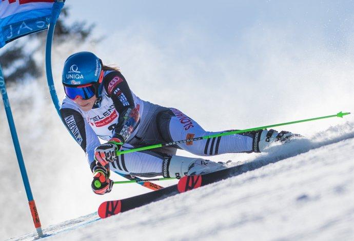Petra Vlhová počas 1. kola obrovského slalomu v Jasnej. Foto - TASR/Martin Baumann