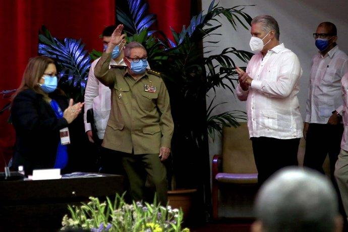 Raúl Castro na 8. kongrese Komunistickej strany Kuby odstúpil z funkcie lídra strany. Foto – TASR/AP