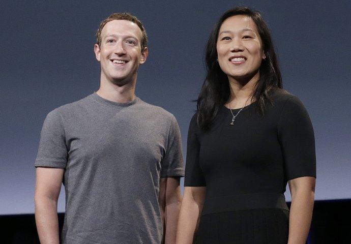 Mark Zuckerberg a jeho manželka Priscilla Chanová. Foto – TASR/AP