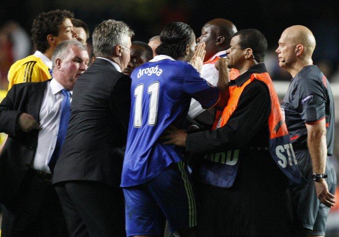 Po zápase Chelsea proti Barcelone v semifinále Ligy majstrov v Londýne 6. mája 2009. Foto - TASR/AP