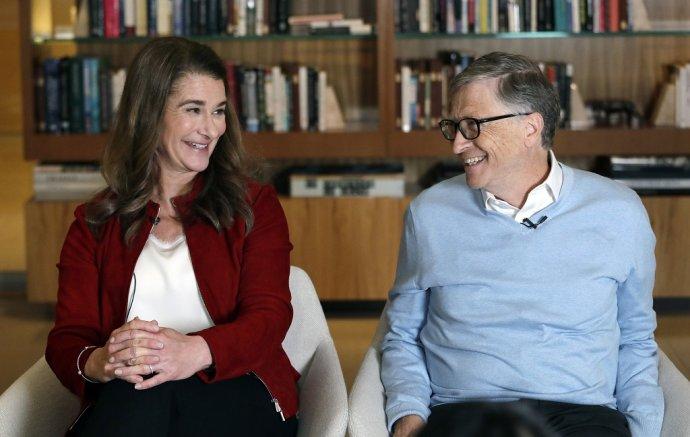 Bill a Melinda Gatesovci sa po 27 rokoch manželstva rozvádzajú. Foto - TASR/AP