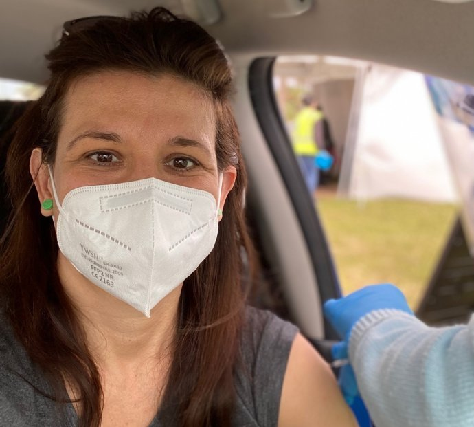 Svoju prvú dávku vakcíny som dostala na Floride z auta a v parku. Foto – Deník N/Jana Ciglerová