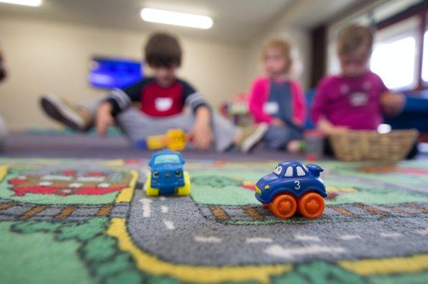 Povinnosť prijať do škôlok všetky päťročné deti sa v rôznych častiach Slovenska prejaví znížením dostupnosti predprimárneho vzdelávania pre mladšie deti | Foto - unsplash.com