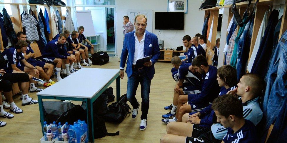 Vladimír Weiss trénoval Slovan od augusta 2011 do júla 2012. Foto - TASR/Martin Baumann