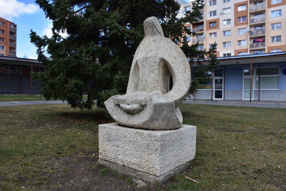 Ján Mathé: čítajúca, 1981, Spišská Nová Ves. Foto - U Points