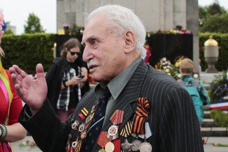 Sovietsky vojnový veterán David Dušman na fotke z roku 2015. Foto – TASR/AP