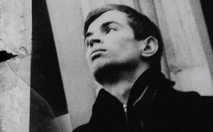 Rudolf Nurejev - záber z filmu o jeho živote s názvom Nureyev