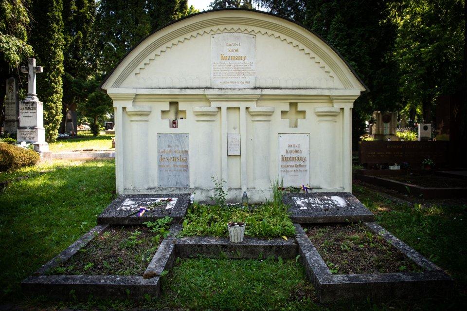 Hrobka Karola Kuzmányho a jeho rodiny. Foto N - Vladimír Šimíček