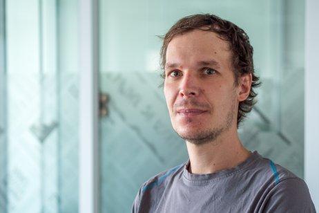 IT špecialista Ján Suchal zo Slovensko.digital. Foto – Ľubomír Mäkký