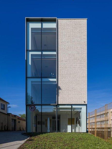 Administratívna budova Veterná v Nitre (GRUP architects). Foto – Nora a Jakub Čaprnkovci