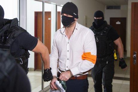 Peter Gašparovič počas príchodu na pojednávanie na Špecializovanom trestnom súde. Foto – TASR