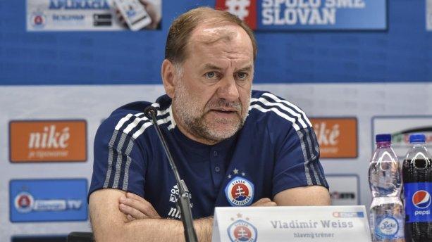 Podarí sa trénerovi Weissovi ďalší trénerský úspech so slovenským mužstvom na európskej scéne? / Zdroj: cas.sk