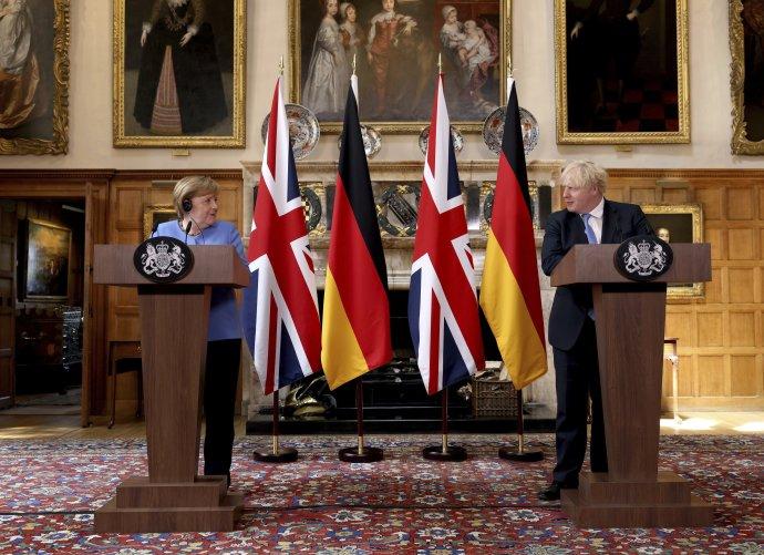 Angela Merkelová a Boris Johnson. Foto - TASR/AP