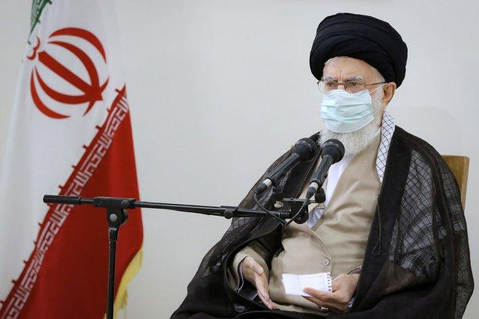 Na snímke šiitský duchovný vodca ajatolláh Alí Chámeneí počas prejavu v Teheráne 23. júla 2021. Foto - TASR/AP