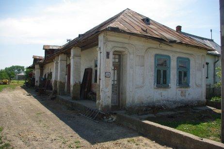 Takzvaný amerikánsky dom – Lastomír. Foto – Maroš Volovár