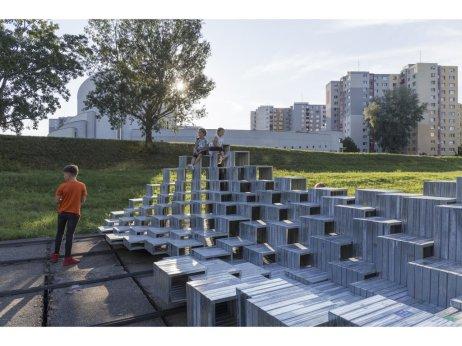 Neformálne mo(nu)menty v Bratislave (autorský kolektív Vysokej školy výtvarných umení v Bratislave). Foto – Šimon Parec