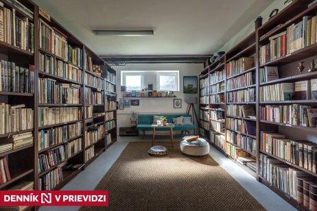 Jednou z už fungujúcich prevádzok v Jabloni je antikvariát. Foto N – Tomáš Benedikovič