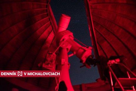 Ďalekohľad v pohyblivej kupole michalovskej hvezdárne. Foto N – Tomáš Hrivňák